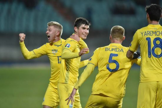 Україна піднялася у рейтингу найкращих футбольних команд світу
