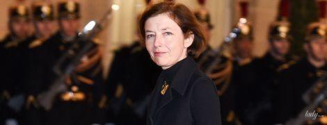 Не така, як завжди: міністр оборони Франції в елегантному пальті блиснула стрункими ногами
