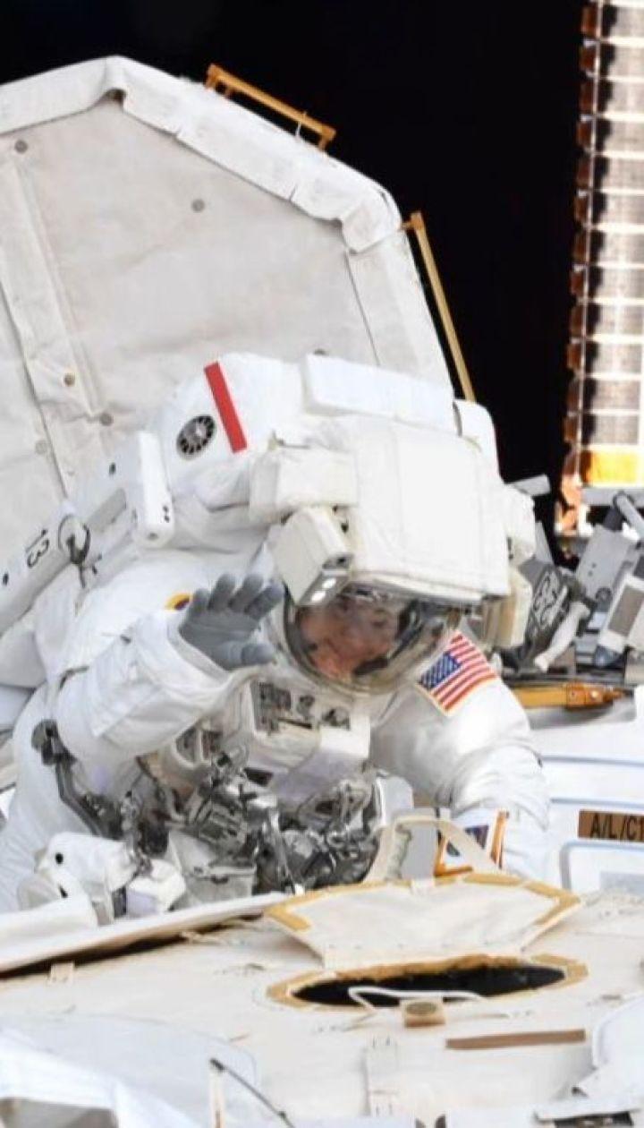 Коли розмір має значення: NASA скасувало перший в історії вихід двох жінок у відкритий космос