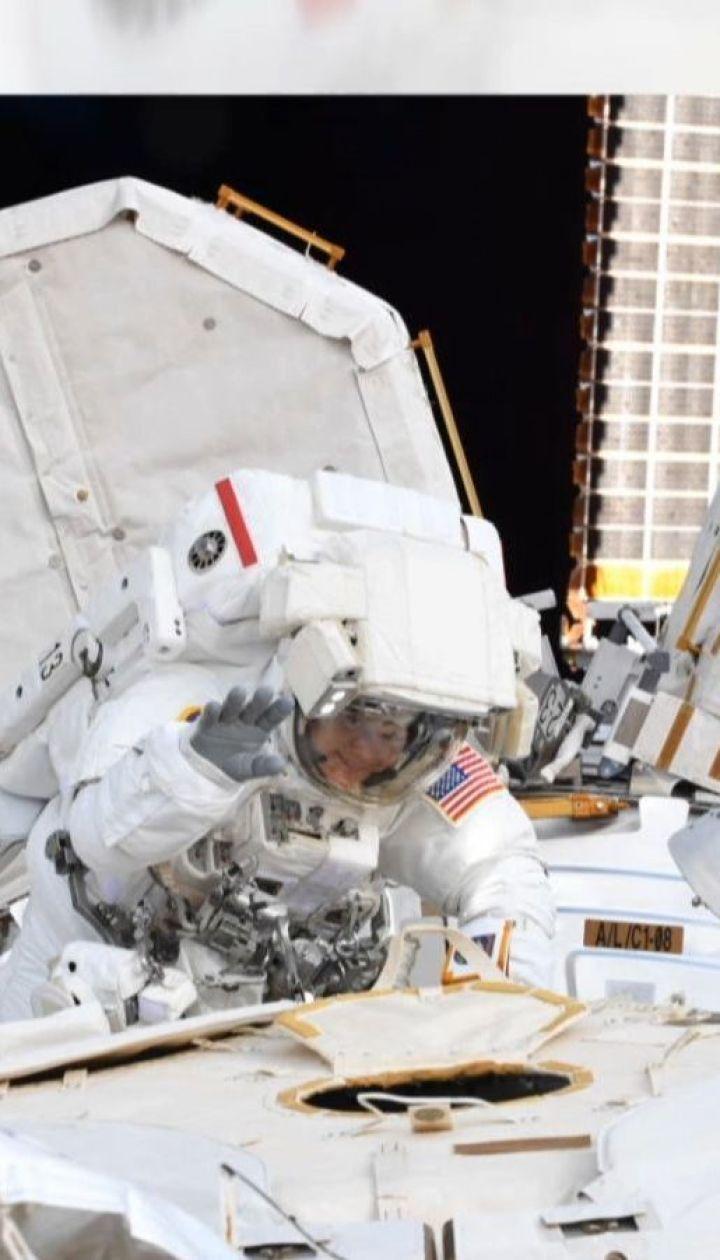 Когда размер имеет значение: NASA отменило первый в истории выход двух женщин в открытый космос