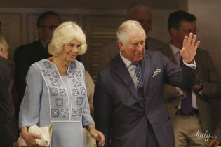 В голубом платье с вышивкой: красивая герцогиня Корнуольская сходила в театр