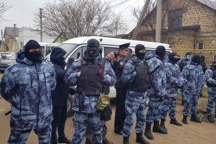 Избитый беркутовцем житель Севастополя бежал из Крыма вместе с семьей и обустраивается в Киеве