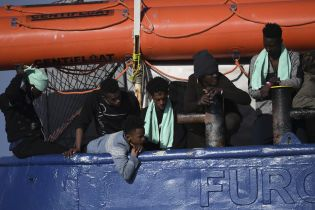 Около 70 нелегалов погибли в Средиземном море недалеко от Туниса