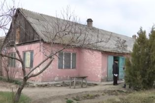 На Херсонщині виборчу дільницю на 1700 осіб розмістили у ветклініці, де лікують велику рогату худобу