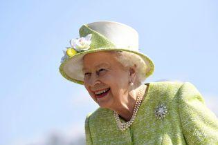 Узнаем уже скоро: пожалует ли королева Елизавета II титул первенцу принца Гарри и герцогини Сассекской