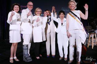 Битва белых нарядов: Хиллари Клинтон vs Нэнси Пелоси