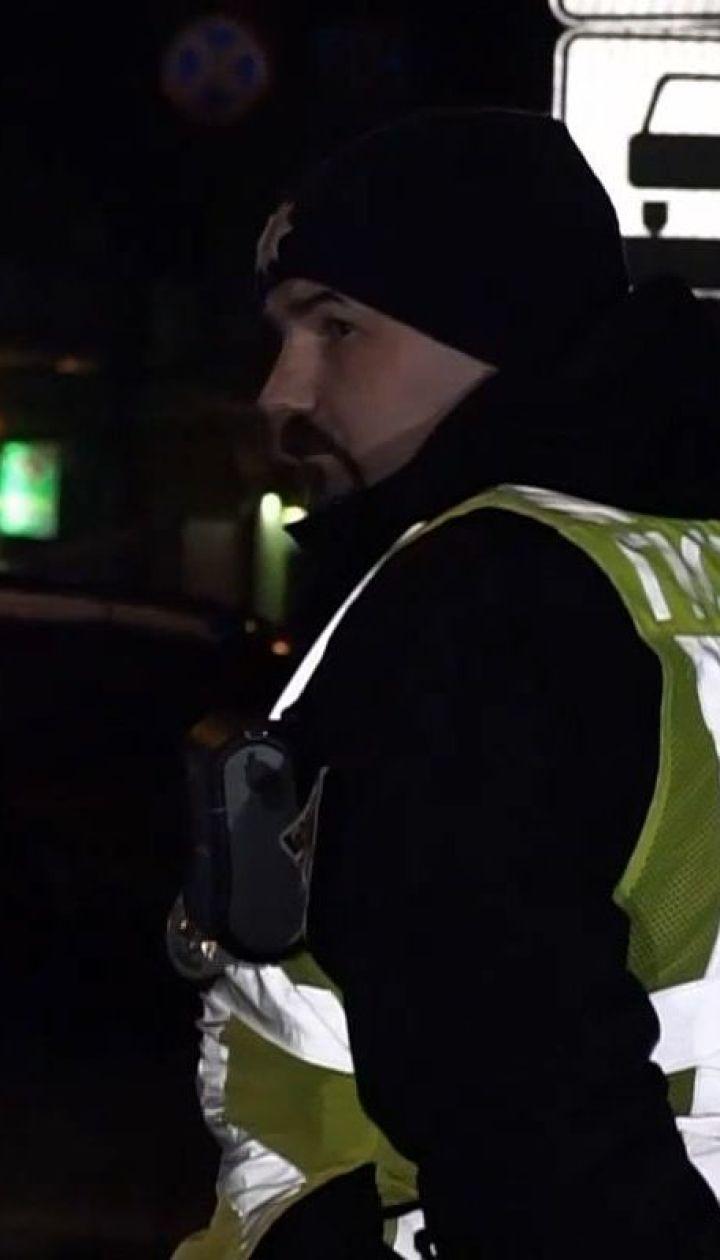 Поліція затримала чоловіка, який зривав агітаційні банери в Івано-Франківську