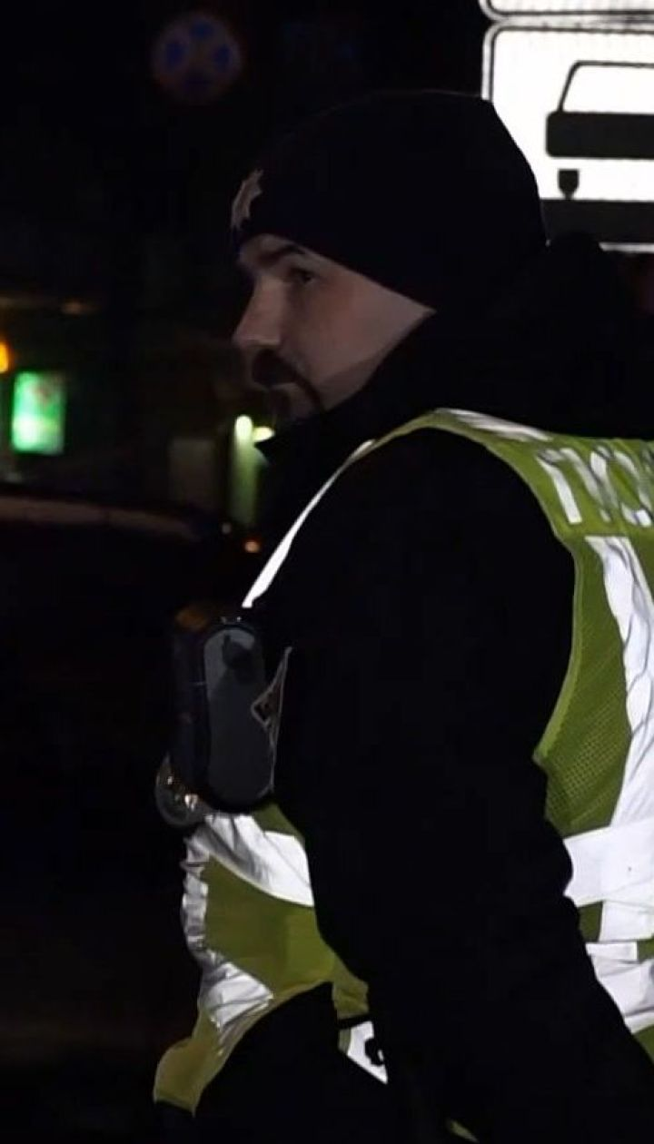 Полиция задержала мужчину, который срывал агитационные баннеры в Ивано-Франковске