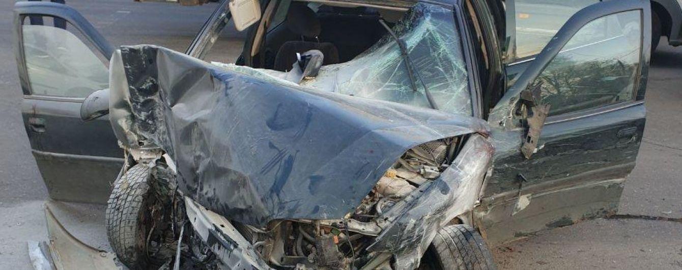 """Смертельная авария в Одессе. Водитель на """"євробляхах"""" влетел в трех нацгвардийцев"""
