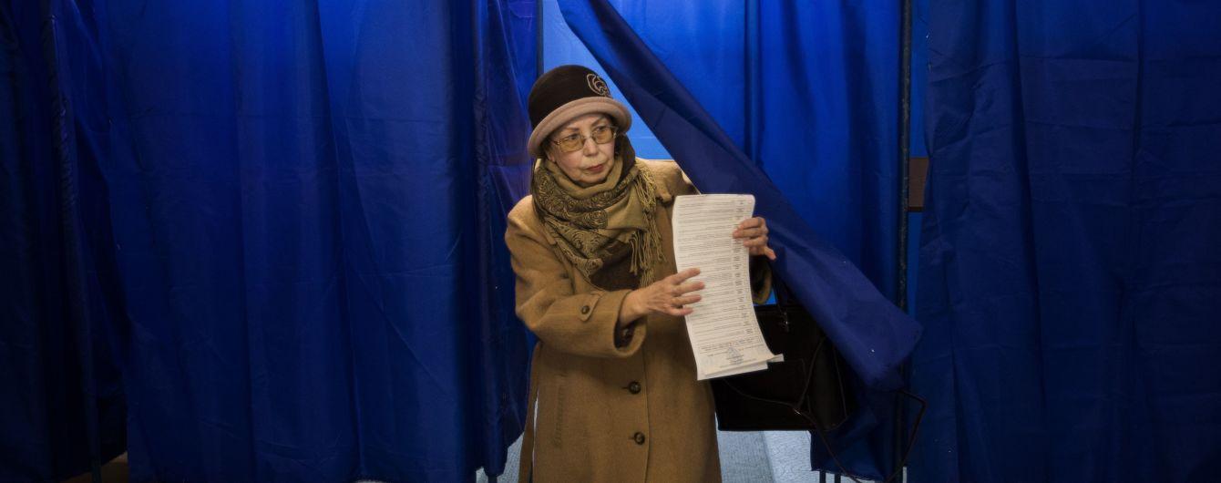 Другий тур виборів: місце голосування змінили понад 325 тисяч українців