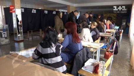 Украинцы выбирают президента: ситуация на избирательных участках