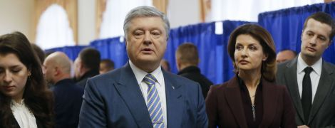 Уверенный в победе и с внуками. Как голосовал Порошенко