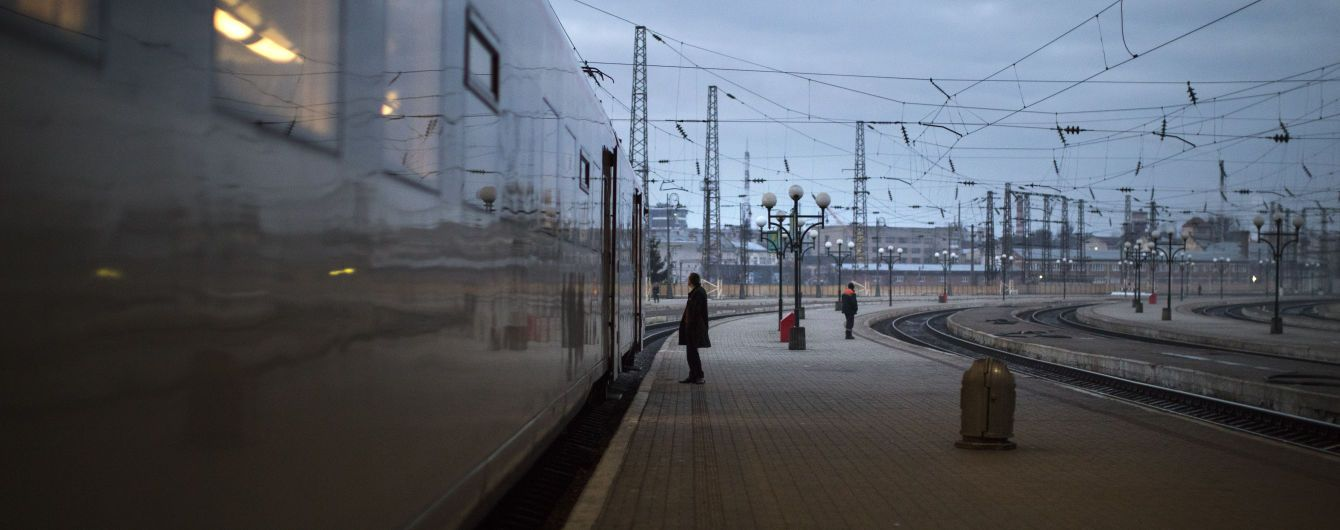 Через аварію на Київщині масово затримуються поїзди