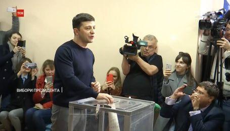 Ажиотаж на участке и нарушение закона: как голосовали кандидаты в президенты