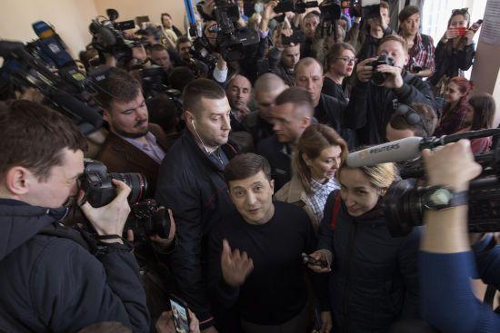 Зеленський перед другим туром виборів попросив державну охорону - МВС