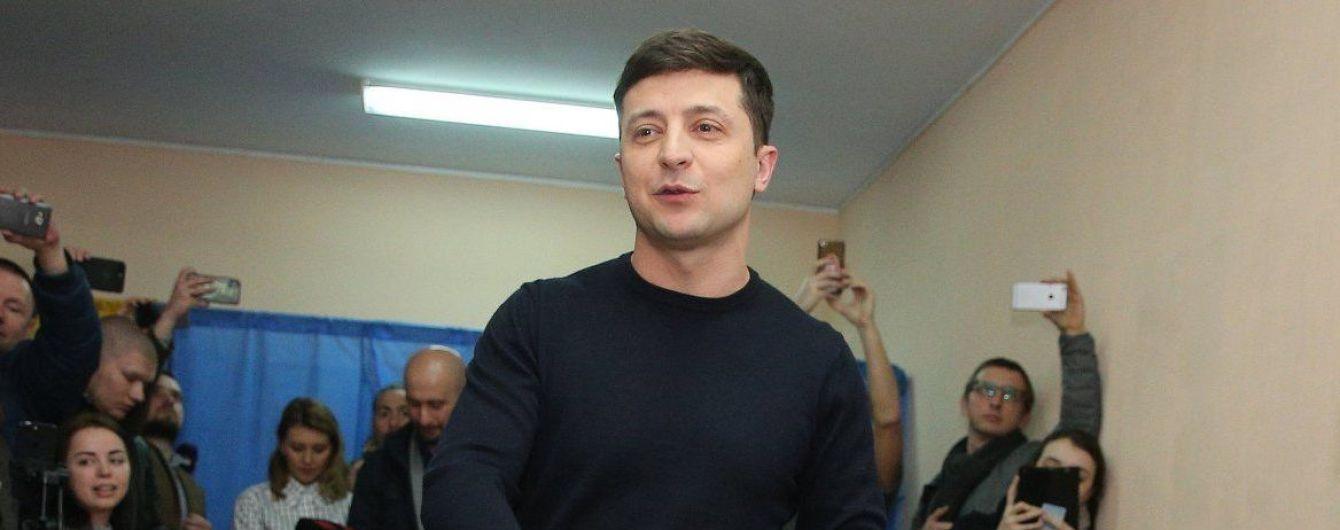 """Зеленський заявив, що не планує об'єднуватися зі """"старими політиками"""""""