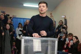 """Зеленский заявил, что не планирует объединяться со """"старыми политиками"""""""