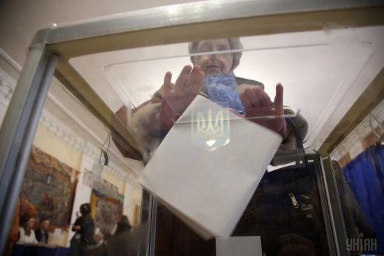 Київ та вісім областей. У ЦВК розповіли, де не вистачає людей у ДВК