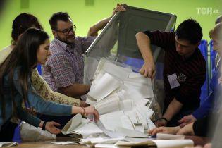 Кандидат, который проиграл на скандальном 50-м округе, требует отменить результаты пересчета