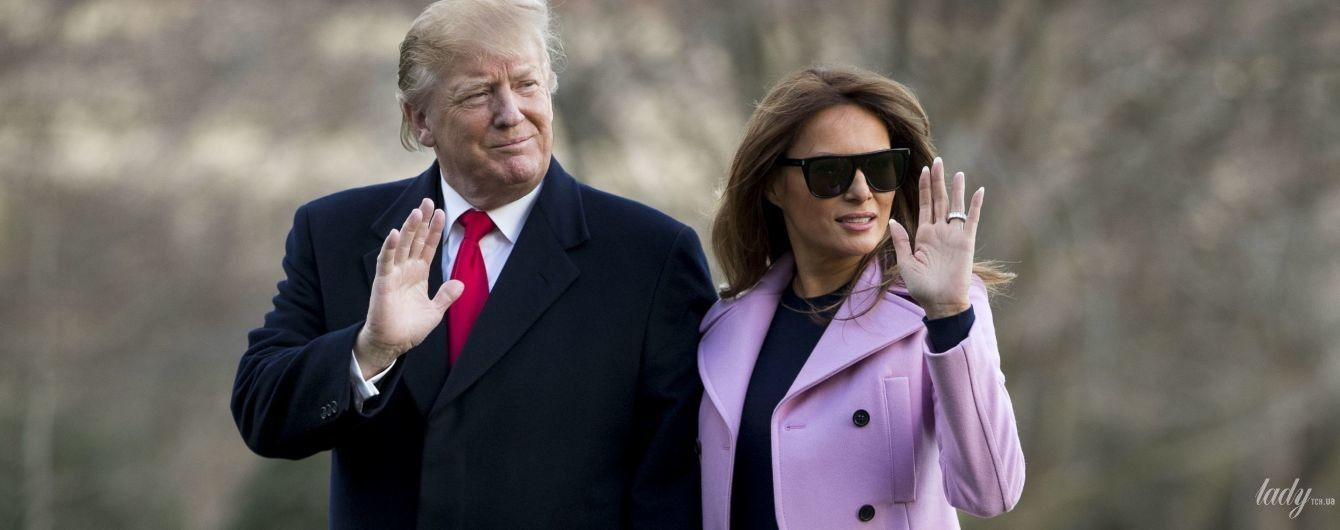 Замінила шпильки на балетки: Меланія Трамп прилетіла до Вашингтона