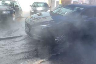 В центре Киева масштабно прорвало трубу с кипятком