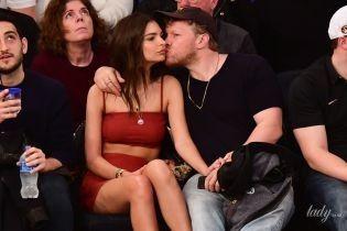 Обнімалися і цілувалися: Емілі Ратаковскі з чоловіком прийшли на баскетбольний матч