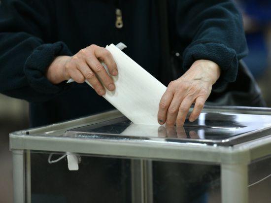 Хто за кого проголосував. Зеленського найбільше підтримала молодь, Порошенка – чоловіки, а Тимошенко – старші 60 років