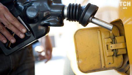 Антимонопольный комитет призвал автозаправки снизить цены