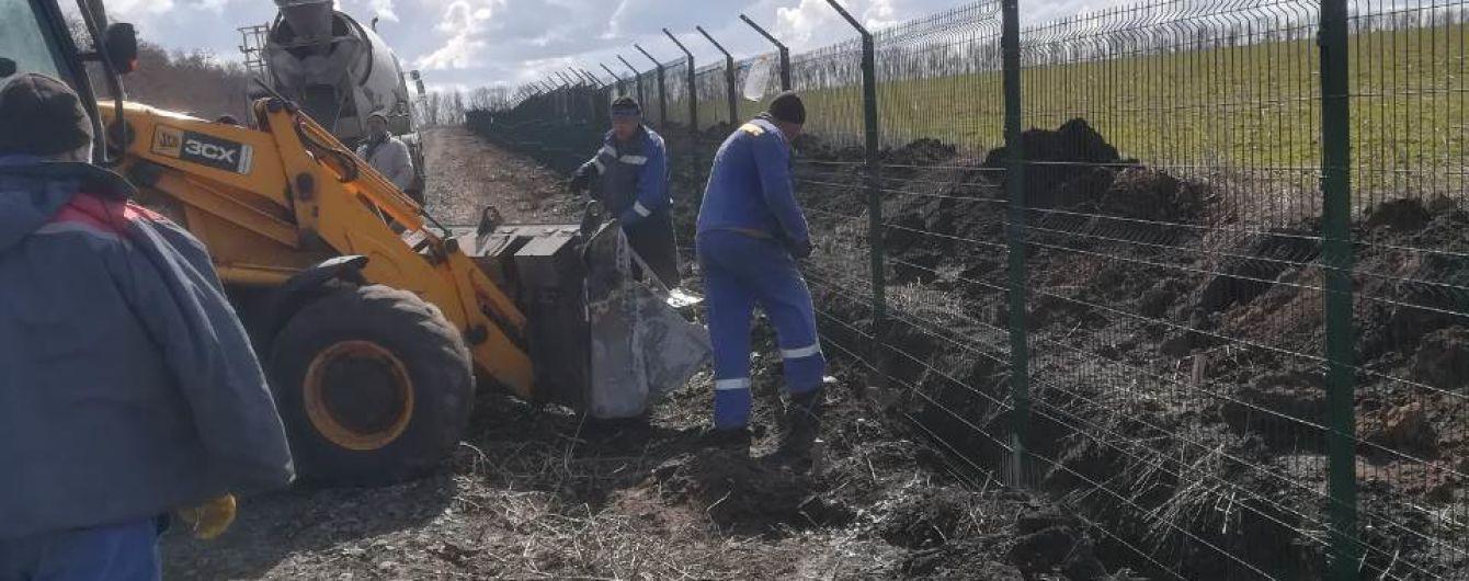 """На """"Стену"""" на границе с Россией уже потратили 1,3 млрд грн – Госпогранслужба"""