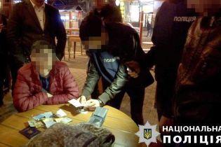 """Нацполіція """"на гарячому"""" затримала організаторів договірного матчу в Запоріжжі"""