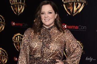 Фігуриста Мелісса Маккарті в леопардовій сукні вийшла на червону доріжку