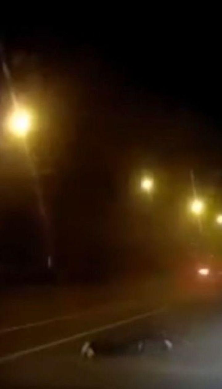 Перехожий дивом вижив після небезпечного зіткнення із вантажівкою у Полтаві