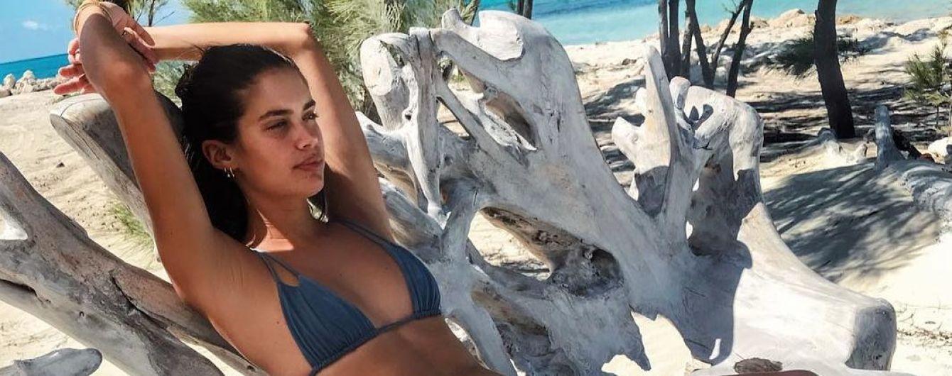 """Нежится на солнце: """"ангел"""" Сара Сампайо показала свой идеальный отдых"""