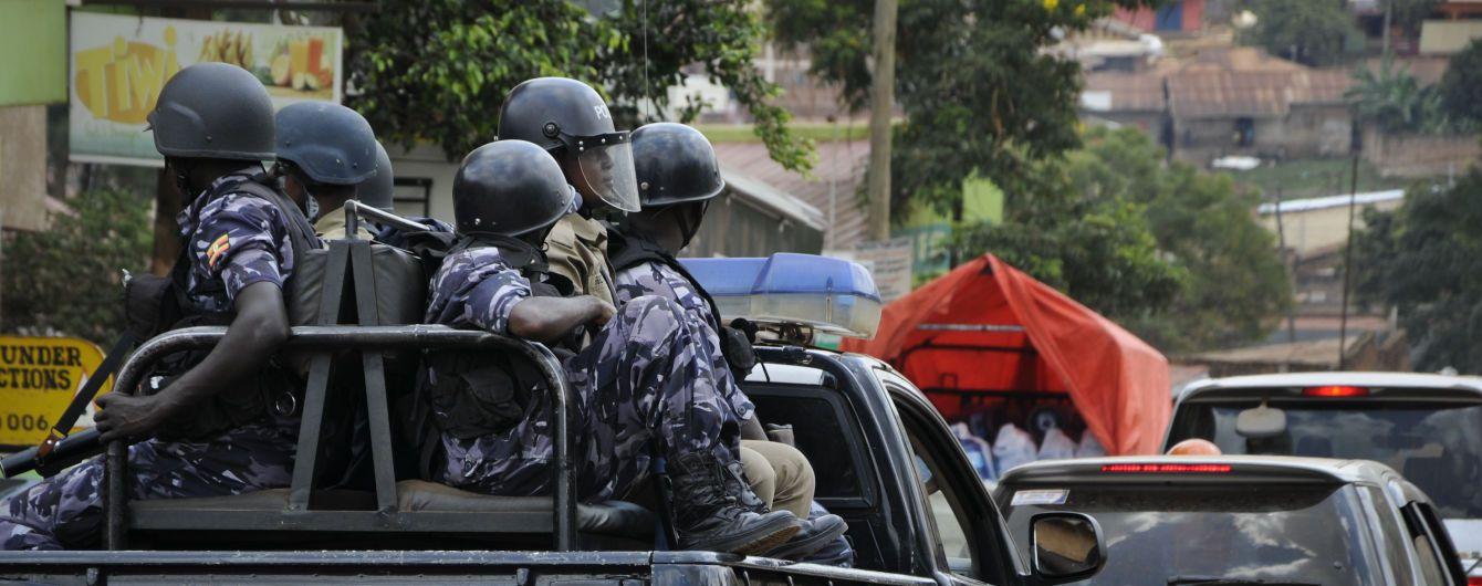 В Уганде вооруженные люди похитили туристку из США и требуют выкуп в полмиллиона долларов