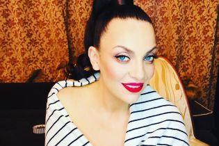 Супермама Наталья Холоденко села на шпагат спустя месяц после родов