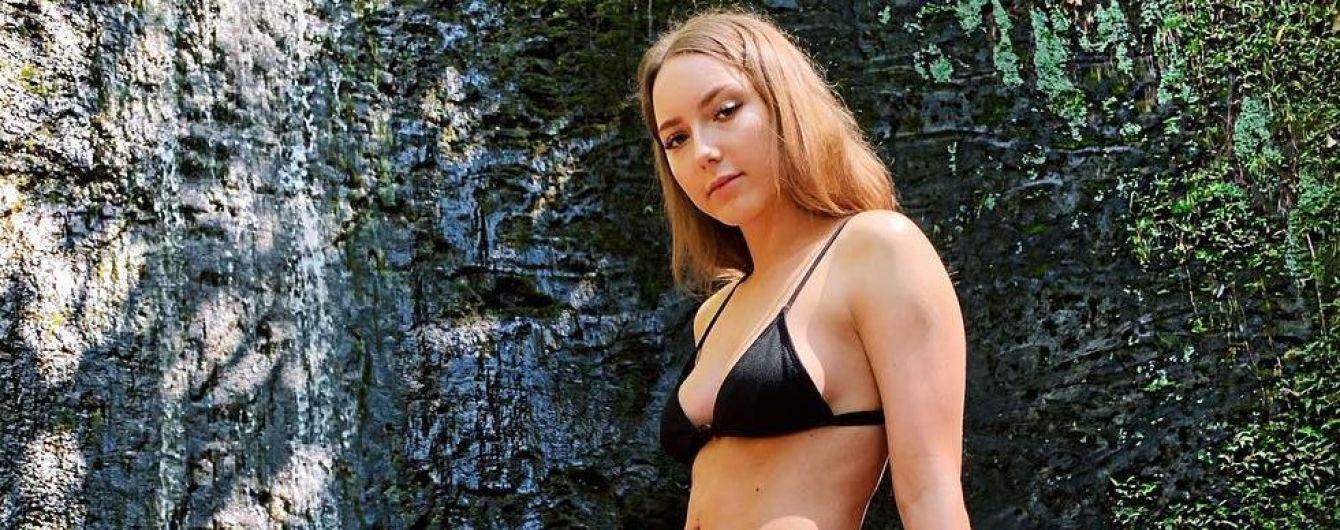 Гавайские каникулы: 23-летняя дочь Эминема показала фигуру в бикини