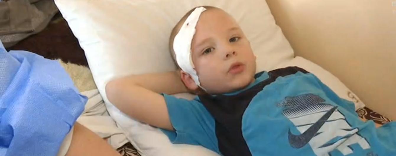 В Киевской области в одной из школ обвалилась плитка и упала на голову первокласснику