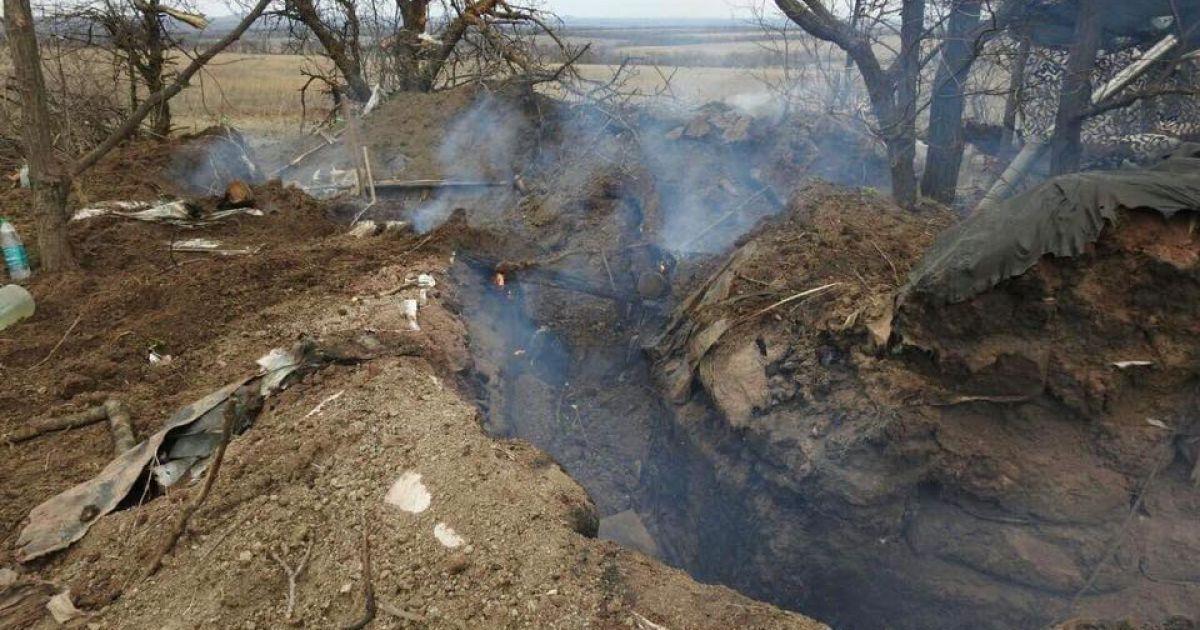"""Бойовики поблизу КПП """"Майорськ"""" прострілюють українські позиції і будують нові укріплення"""