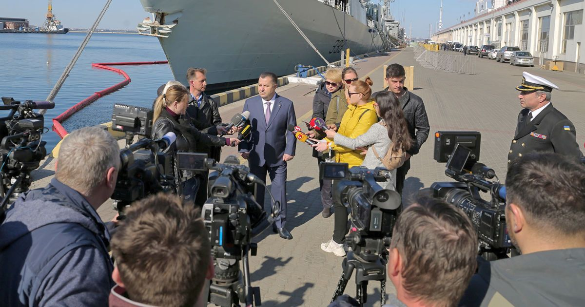 """Корабли НАТО будут заходить в украинские порты """"на постоянной основе"""" — Полторак"""