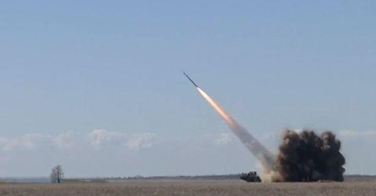 """Крок до """"Ракетного щита"""": на Одещині відбувся контрольний запуск ракетного комплексу """"Вільха М"""""""