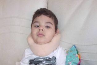 На судьбу маленького Глеба выпала череда испытаний, ребенку нужна помощь