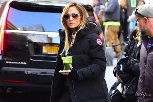 И как она на них ходит: эффектная Джей Ло на огромных шпильках на съемках в Нью-Йорке