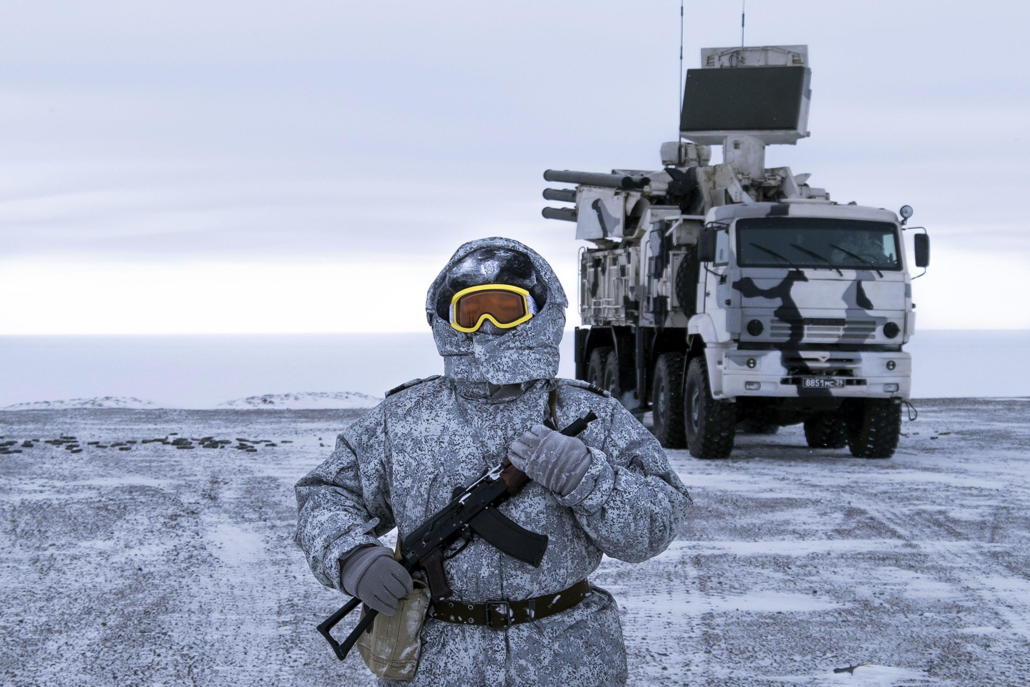 російська військова база в Арктиці_11