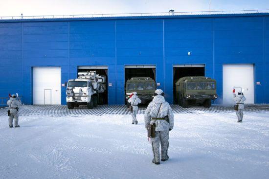 Росія модернізує військову базу в Арктиці, щоб взяти регіон під свій контроль – AP