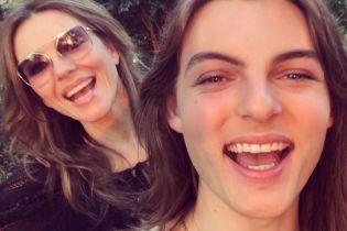 Сына актрисы Лиз Херли назвали девочкой