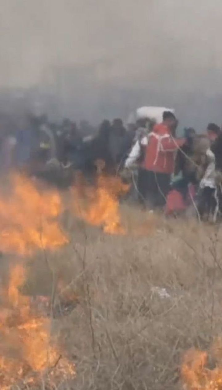 На греко-македонской границе мигранты устроили столкновения с полицией