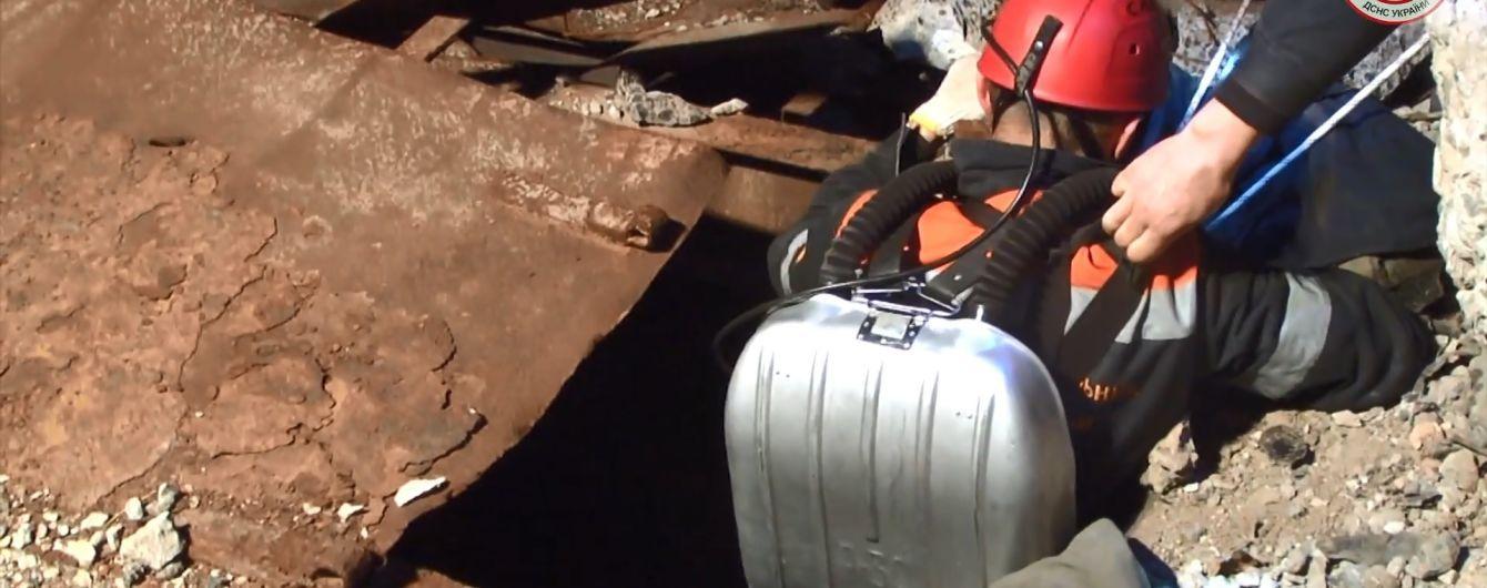На Запорожье из заброшенной шахты извлекли труп