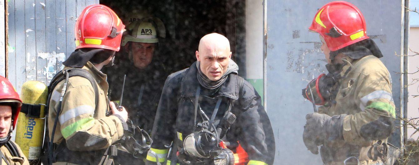 В Черниговской области на заправке произошел пожар, а затем взрыв