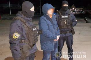 """Из Украины депортировали авторитета, который """"сидел"""" на тюремном наркотрафике"""