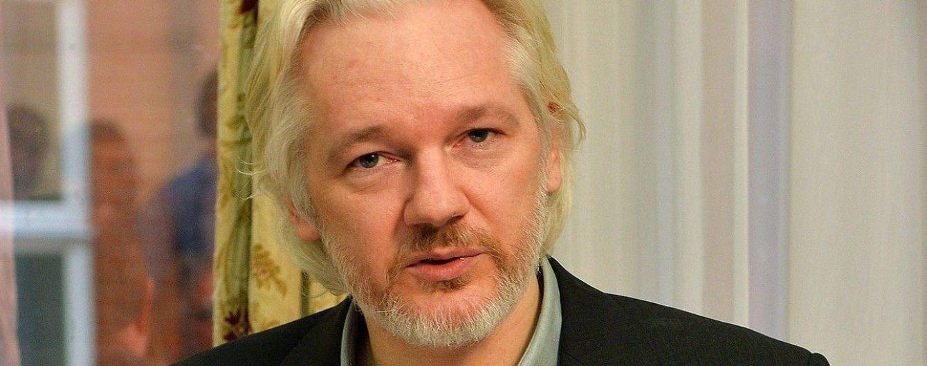 Основатель Wikileaks Ассанж требует от Швеции миллион долларов - СМИ